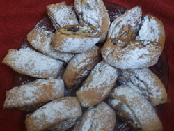 עוגיות רולדה במילוי תמרים/פרג/שוקולד/ריבה>>>מאסטר מתכונים