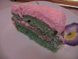 עוגת קטיפה ירוקה בקרם שמנת # יונייטד מתכונים