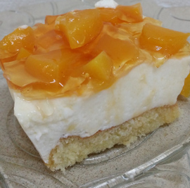 - עוגת גבינה בציפוי אפרסקים וריבת משמש - מדהימה בטעמה