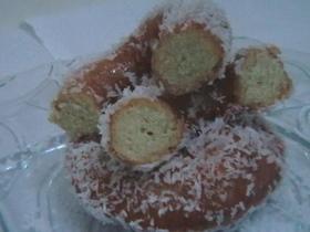 עוגיות יויו עוגיות מטוגנות מבצק פריך בציפוי דבש וקוקוס מלווה בתמונות שלב אחר שלב-  מבשלים ואופים עם מאסטר מתכונים