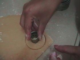 עוגיות יויו (עוגיות מטוגנות מבצק פריך בציפוי דבש וקוקוס מלווה בתמונותשלב אחר שלב)- מאסטר מתכונים