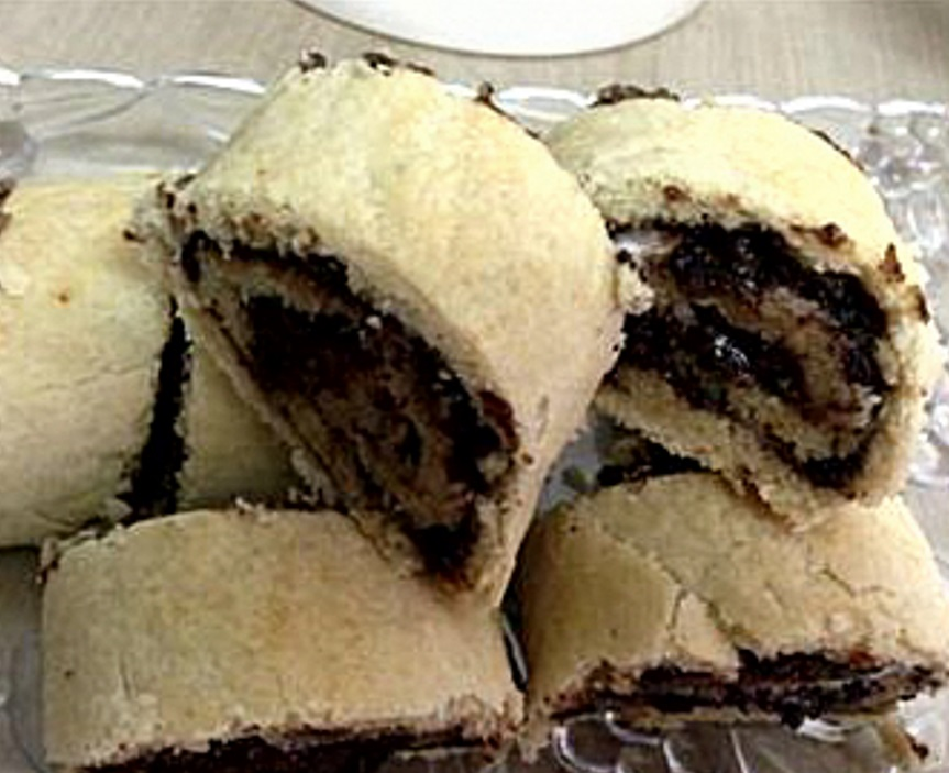 כרוכיות תמרים עם קינמון ופיצפוצי שוקולד-