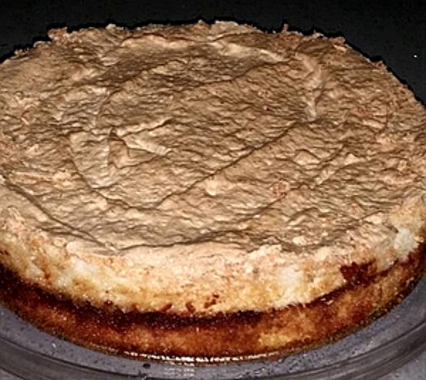 עוגת מרנג קוקוס עם ריבה-
