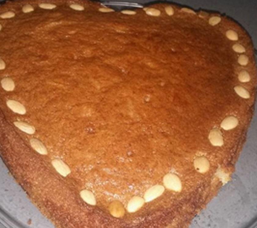 עוגת סולת בסבוסה-