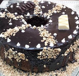 עוגת שוקולד גבוהה וקרם שוקולד- מאסטר מתכונים
