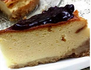 עוגת גבינה ואוכמניות- מאסטר מתכונים