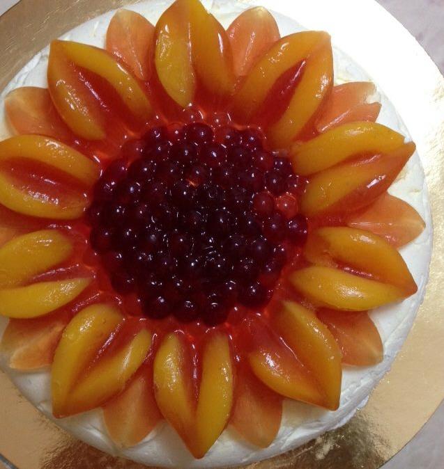 עוגת גבינה אפרסקים ודובדבנים עליה קיבלתי מקום שני בתחרות עוגות גבינה בכל הארץ