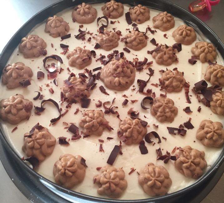 עוגת קוקוס ושוקולד עם קרם שוקולד לבן
