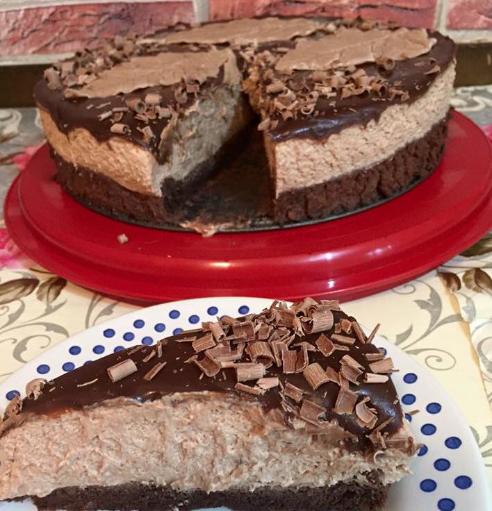 עוגת שוקולד ומוס נוגט אגוזים