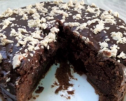 עוגת שוקולד וחלווה