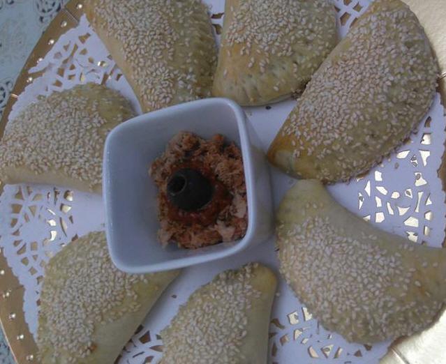מבשלים ואופים עם מאסטר מתכונים -  סמבוסק גבינה וסמבוסק טונה -