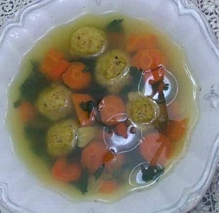 מבשלים ואופים עם מאסטר מתכונים -  מרק קניידלך -
