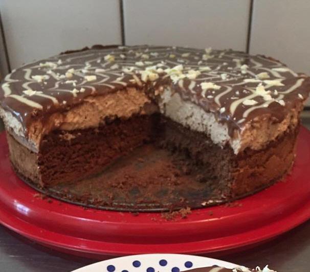 עוגת בראוניז ומוס נוגט