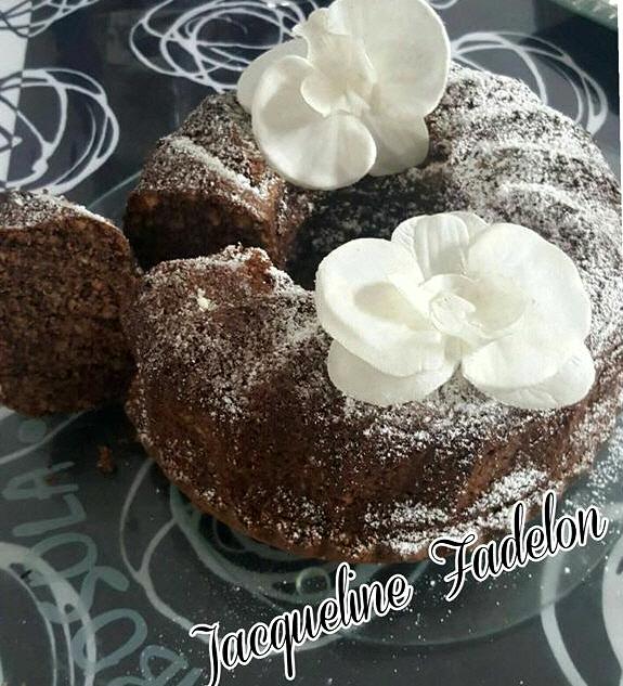 עוגת טורט,מלא אגוזי מלך ושוקולית טעימה