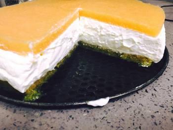 עוגת גבינה ופירות גבינת שמנת ואפרסק- מאסטר מתכונים