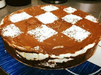 עוגת גלידה שוקו וניל מדהימה ביופיה- מאסטר מתכונים