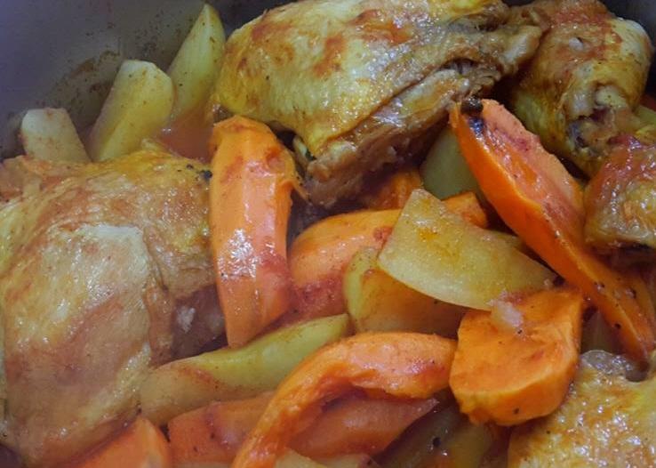 עוף עם תפוחי אדמה ובטטה