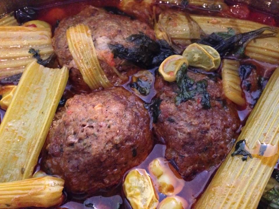 תבשיל קציצות בקר עם סלרי ,כרפס ופולים