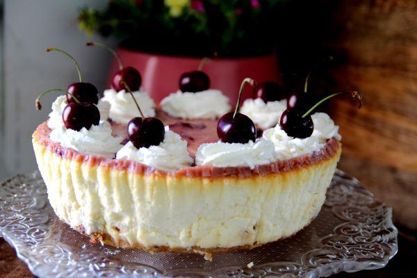 עוגת גבינה חגיגית ומיוחדת
