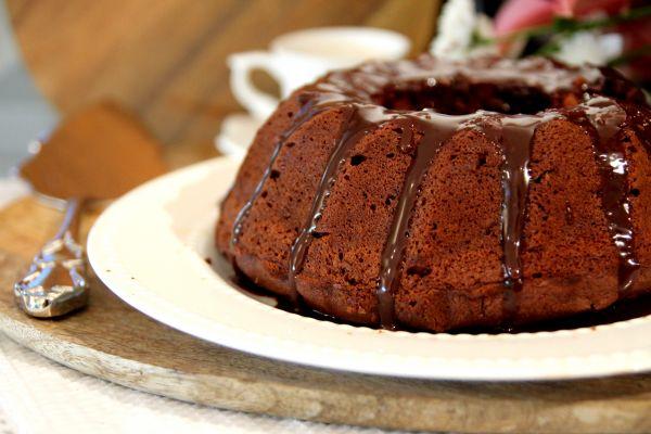 עוגת שוקולד בתוספת שקדים טחונים רכה ונימוחה פשוטה וקלה להכנה