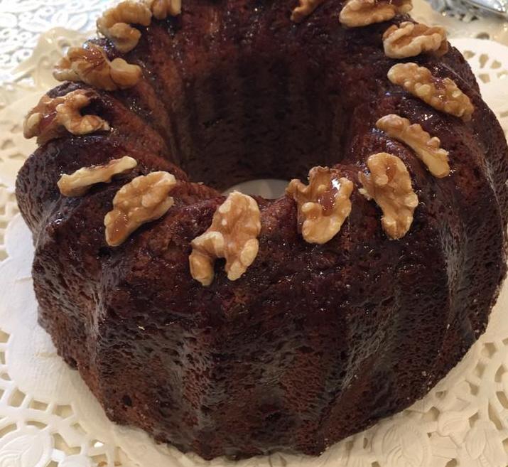 מתכון עוגת מייפל מיוחדת עם ממרח תמרים וקוקוס