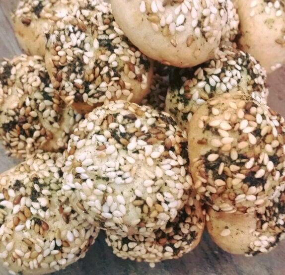 עוגיות כדורי זעתר מלוחים