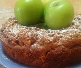 עוגת תפוחים בחושה עם שוקולד צ'יפס