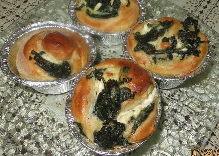 מבשלים ואופים עם מאסטר מתכונים -  שבלולי תרד וגבינה בולגרית