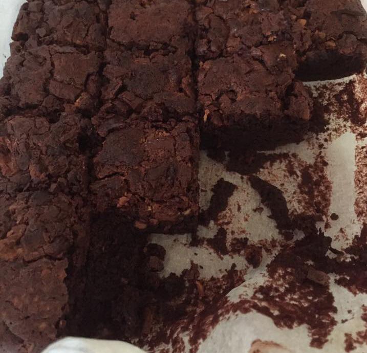 עוגת שלושת השוקולדים