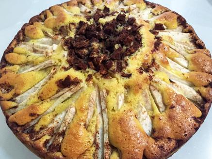 עוגת תפוחים בחושה קלה ומהירה להכנה בסגנון ביתי טעים במיוחד ובשילוב קינמון