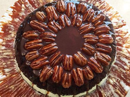 עוגת שחיתות עם שוקולד ופקאנים