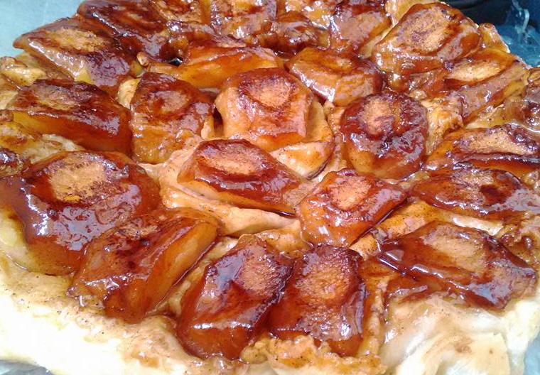 עוגת תפוחים הפוכה. .אלי גרוס