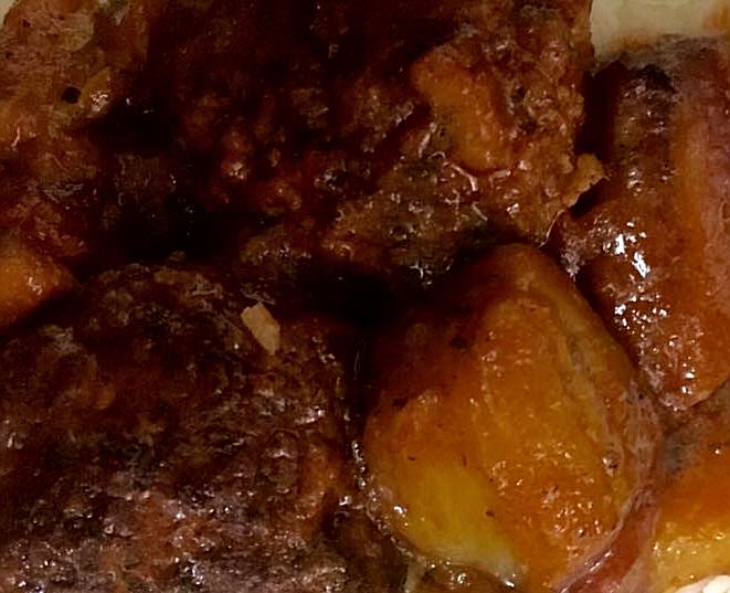 קציצות בשר וחציל קלוי