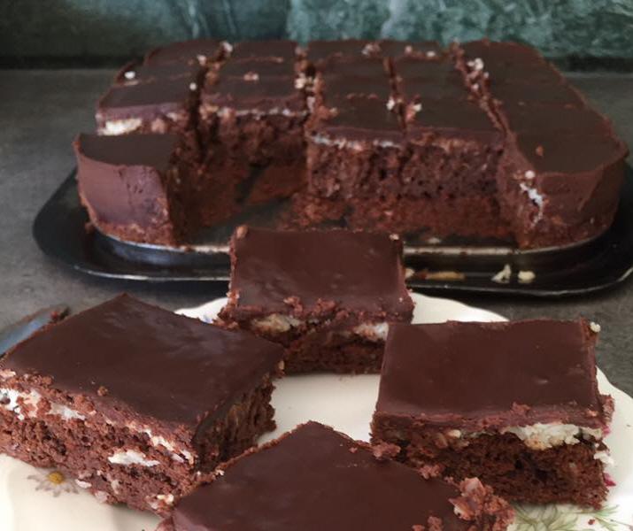 ריבועי בראוניז שוקולד קוקוס וגנאש