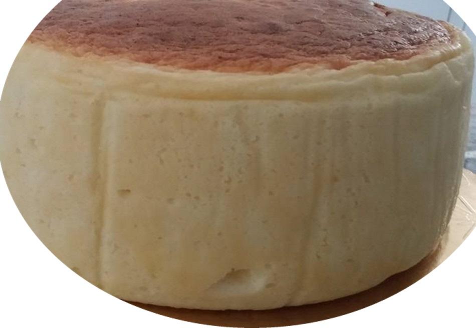 עוגת גבינה אפויה גבוהה וטעימה