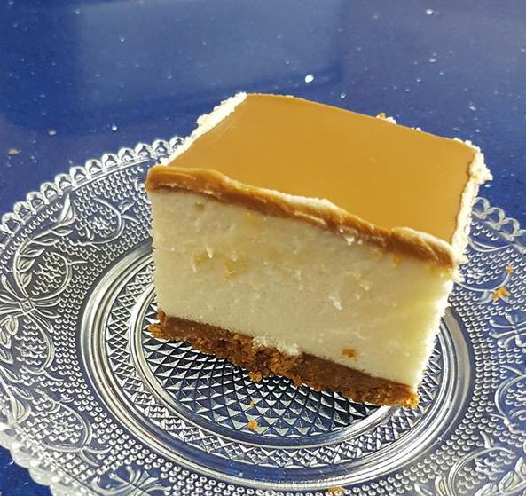 עוגת גבינה ושוקולד לבן עם לוטוס - חן ורמי פלד בוקשפן
