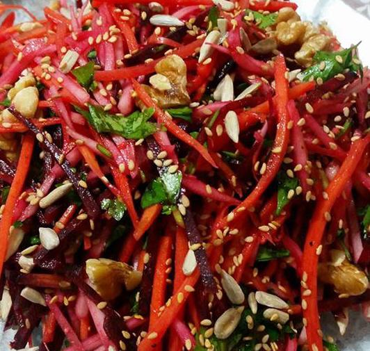 סלט ירקות שורש טעיםם ובריא