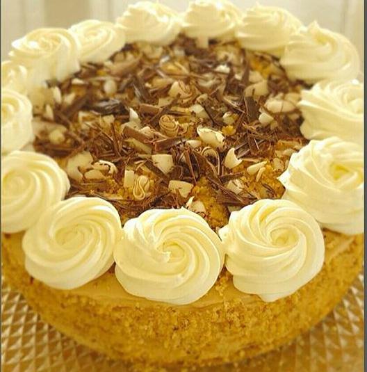 עוגה בניחוח קפה עם אגוזים ,שוקולד וקוקוס - ריקי גבאי