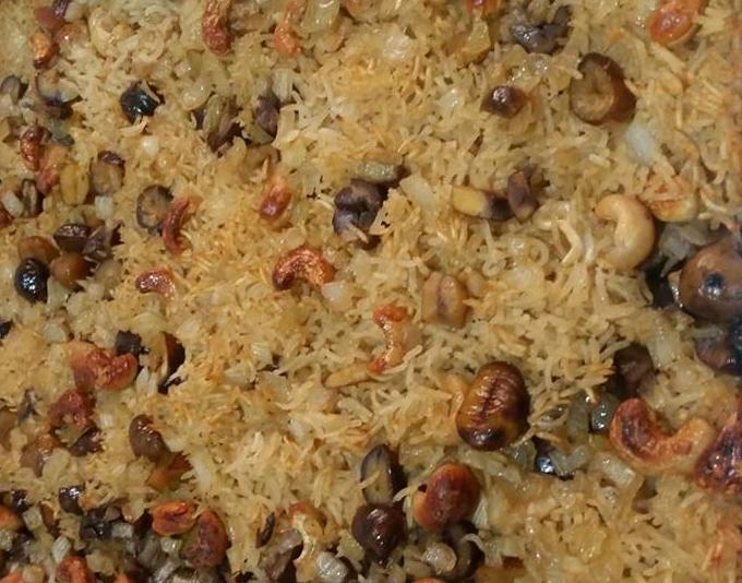 מתכון לאורז אפוי בתנור עם קשיו וערמונים/קרדיט למתכון של Lior Koresh