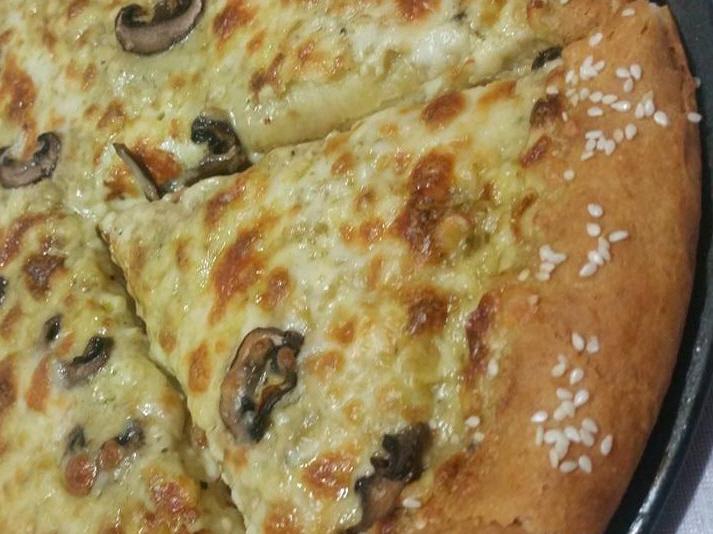 פיצה ביאנקה מעלפתתת