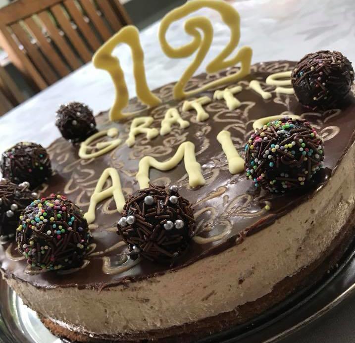 עוגת שוקולד עם מוס וגנאש נוגט