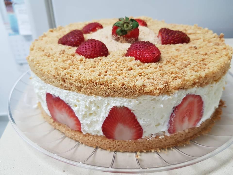 עוגת גבינה פירורים - מתכון של שרה יוסף