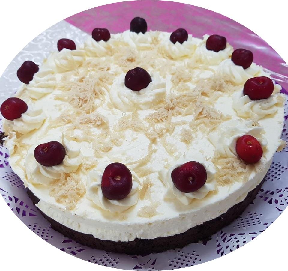 עוגת שוקולד ושמנת מתוקה