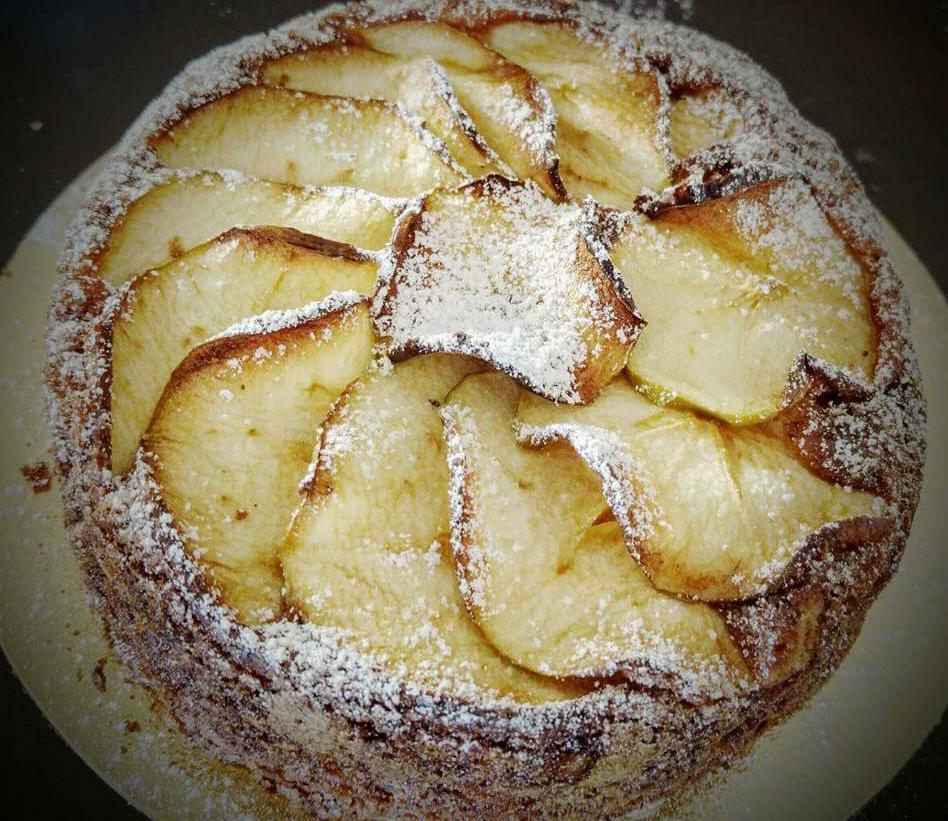 עוגת תפוחים וקינמון