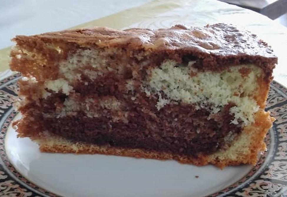 עוגת שיש רכה גבוה וטעימה