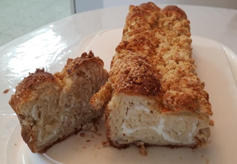 רולדות שמרים עם מילוי קקאו / גבינה + מתכון הכנת שטרוייזר