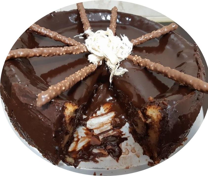 עוגת וניל ושמנת, במילוי נוטלה וחלווה בציפוי שוקולד