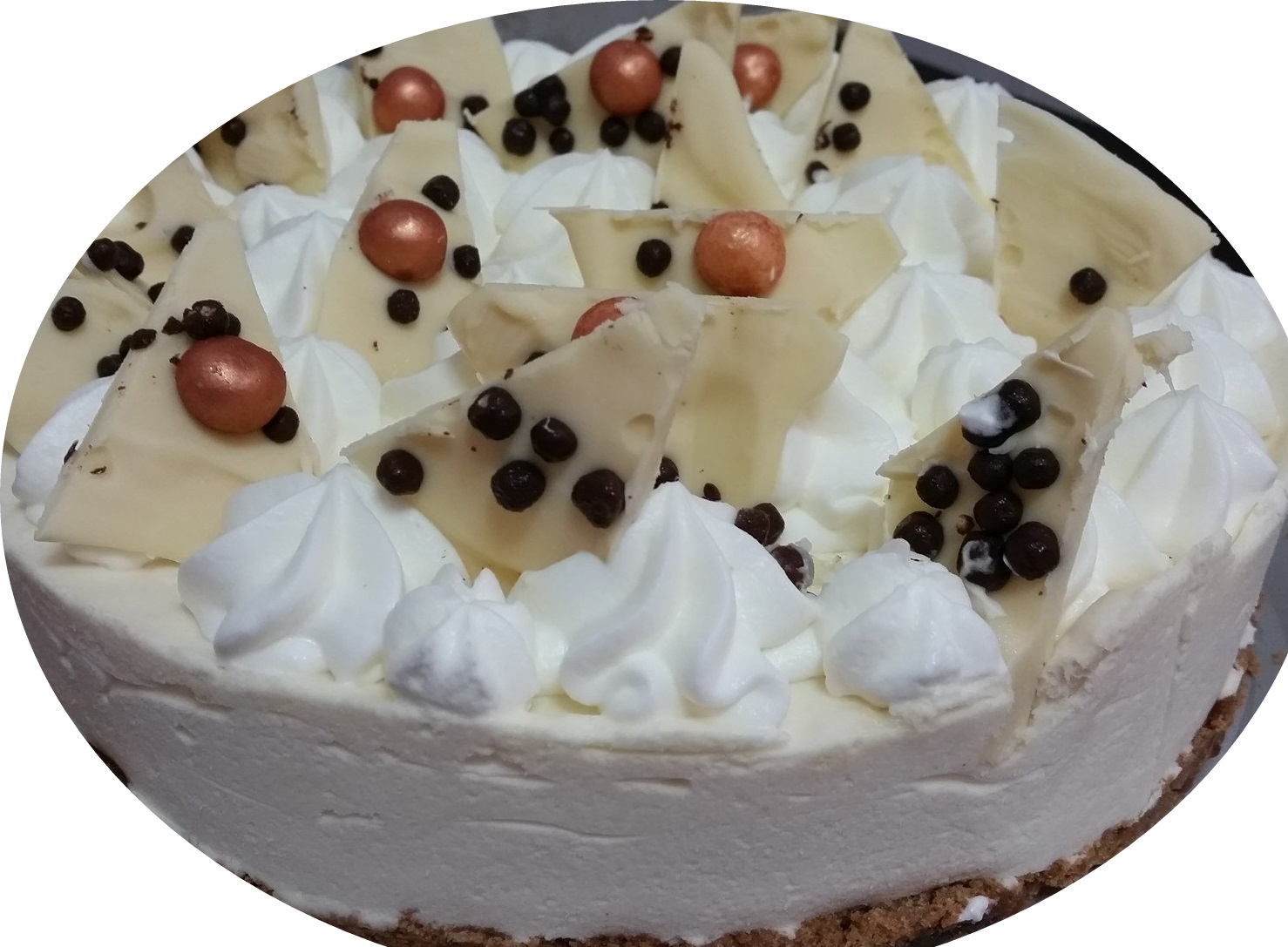 עוגת מוס שקדים ושוקולד לבן