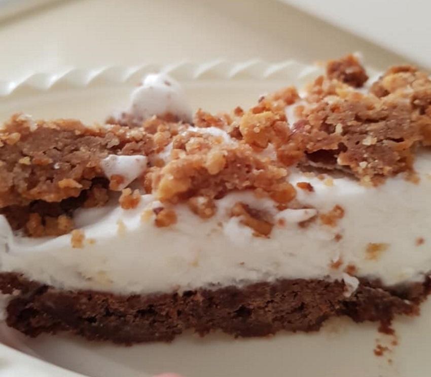 עוגת גלידת פיסטוק ושוקולד