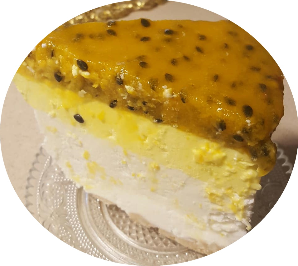 עוגת שכבות מוס גבינה , פסיפלורה ולימון